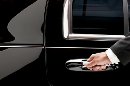 Fun Tyme Limo provides chauffeured limousine service for the greater St. Louis MO area